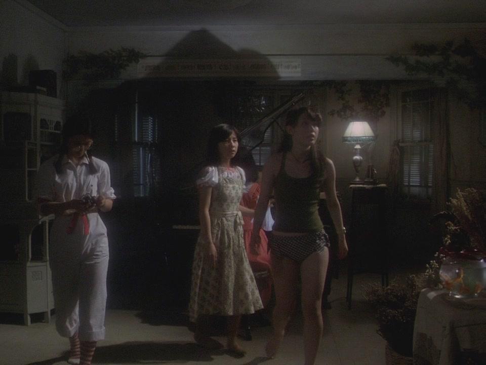 House.1977.720p.BluRay.x264-EbP[10-35-18]